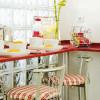 Выбираем маленький стол для маленькой кухни (7 фото идей)