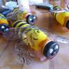 Медоносная пчела из пластиковой бутылки