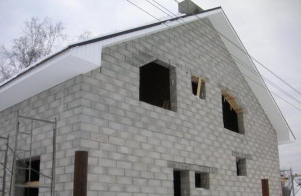 Если вы решили построить современный дом, вам никак не обойтись без применения передовых разработок и достижений. Для строительства небольшого, малоэтажного