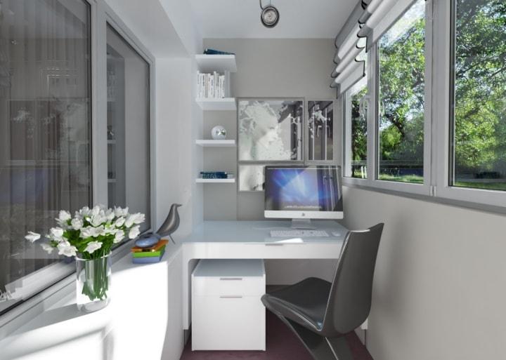 Современный кабинет на балконе
