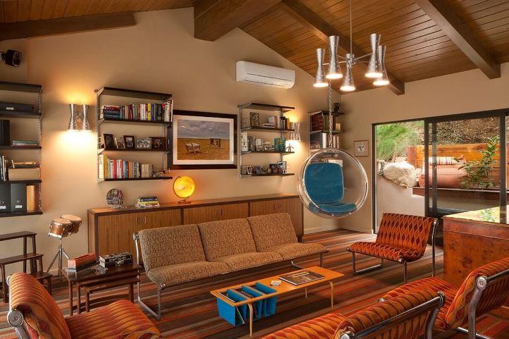 Просторная комната в стиле ретро