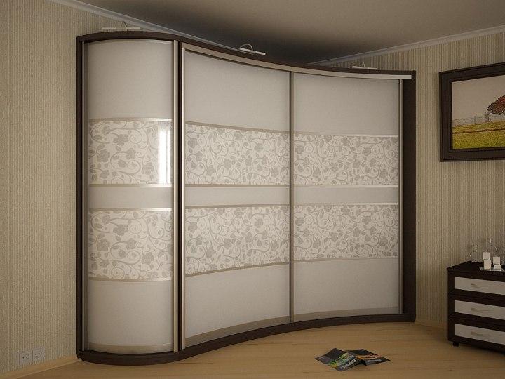 Белый угловой шкаф-купе