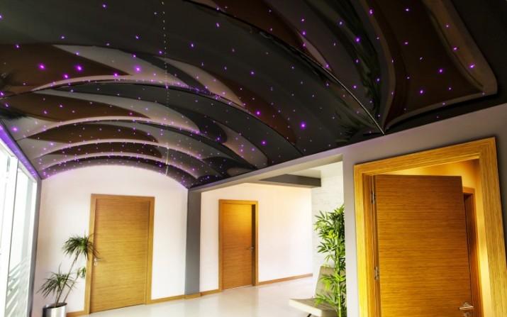 Необычный натяжной потолок