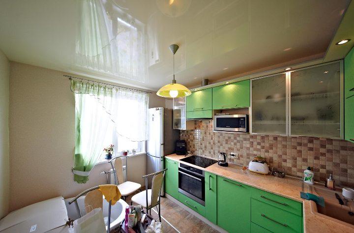 Натяжные потолки на кухню 8 кв м дизайн