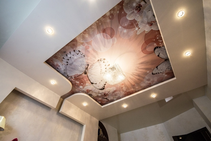 Многоуровневый потолок с фотопечатью