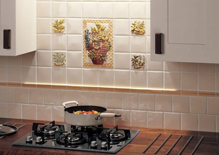 Плиточный фартук на кухне