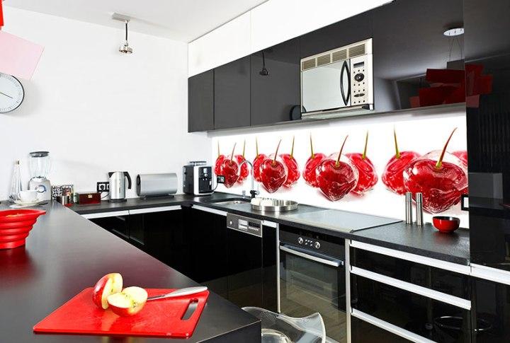 Кухонный фартук с вишнями
