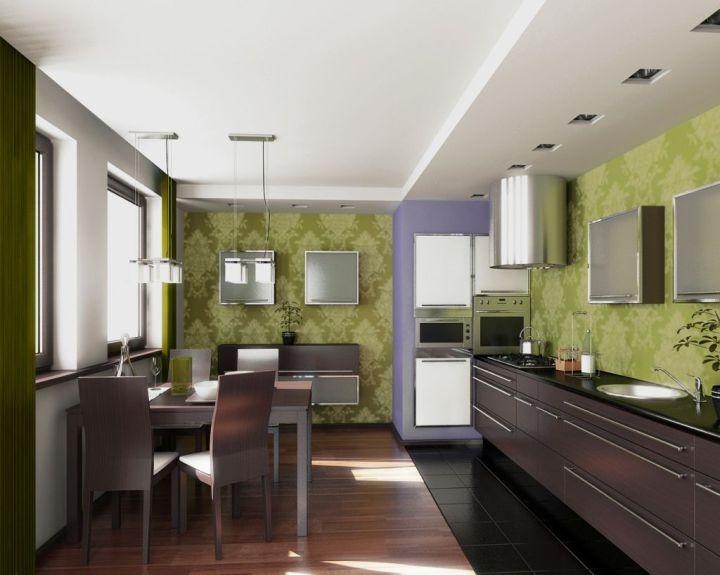 Кухня с бежево-зелеными обоями