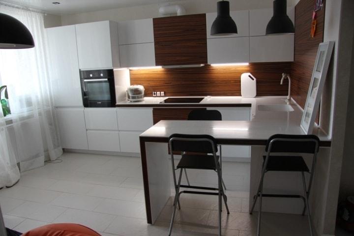 В качестве кухонного стола
