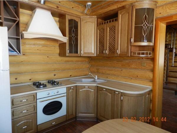 Дизайн и интерьер кухни с занавесками
