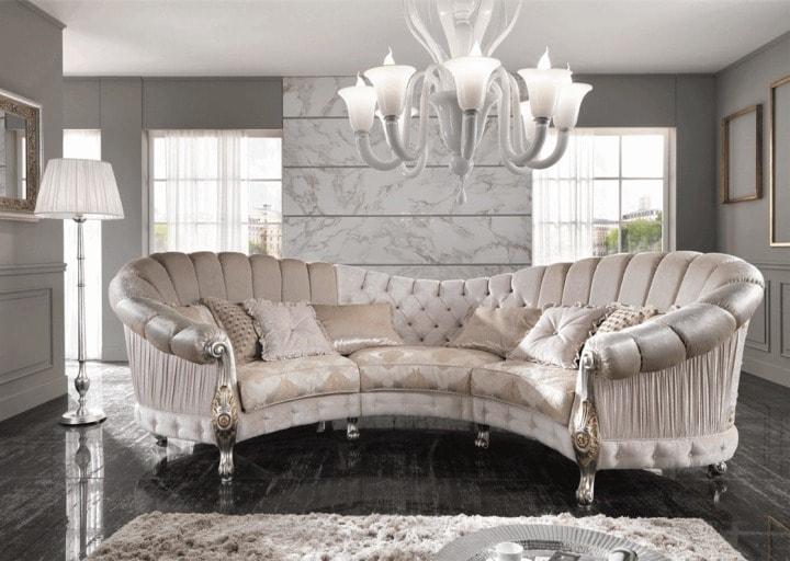 Островной диван в классическом стиле