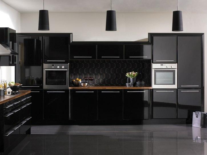 Черная кухня металлик