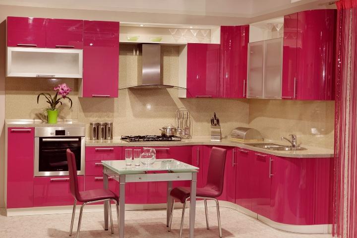 Розовый цвет кухни