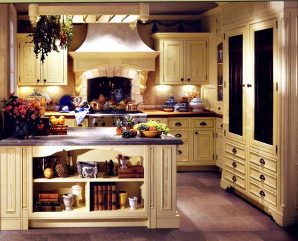 планировка кухни в загородном доме фото