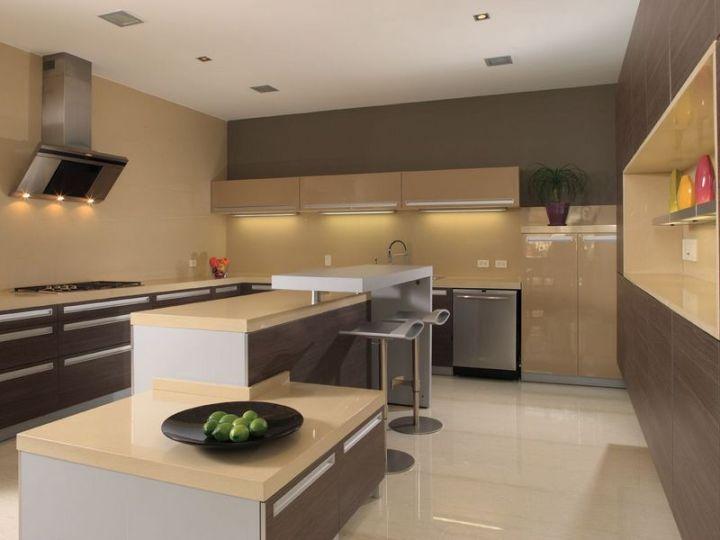Кухня хай-тек в коричневых тонах