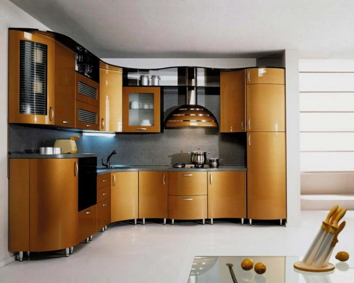 Кухня золотой металлик