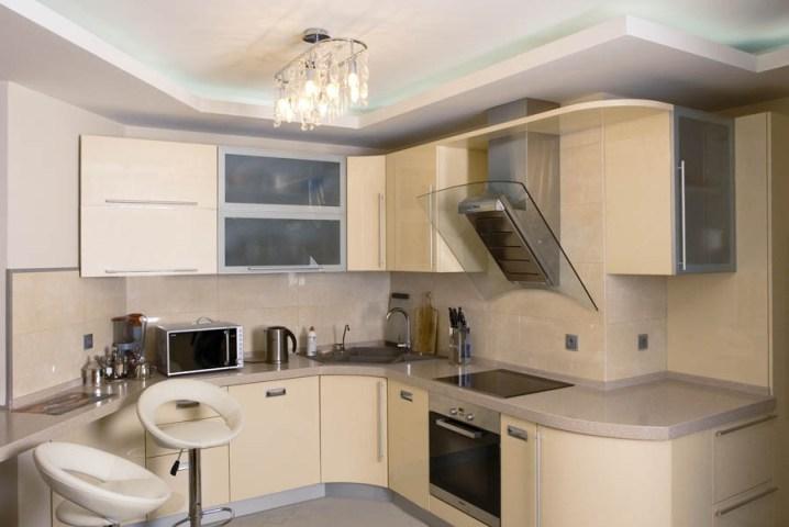 фото кухни цвета ваниль глянец