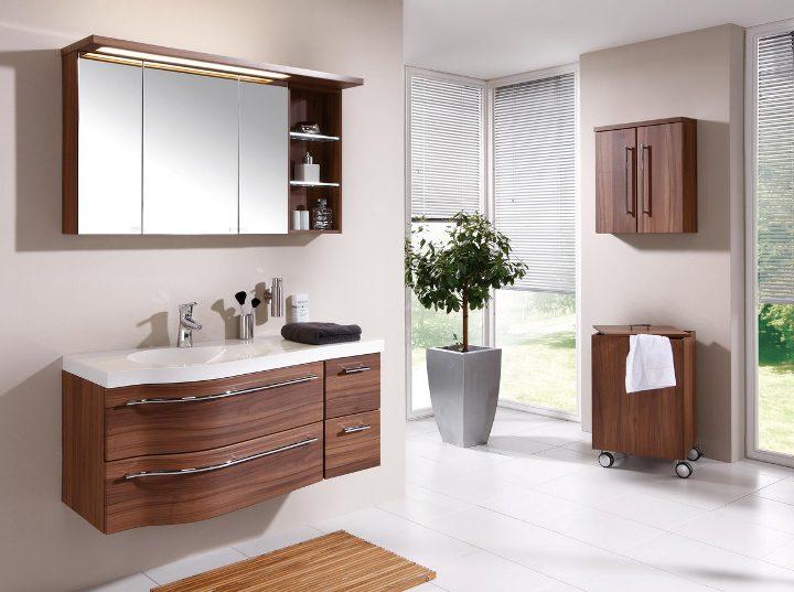 Мебель для ванной покрытая самоклеющейся пленкой