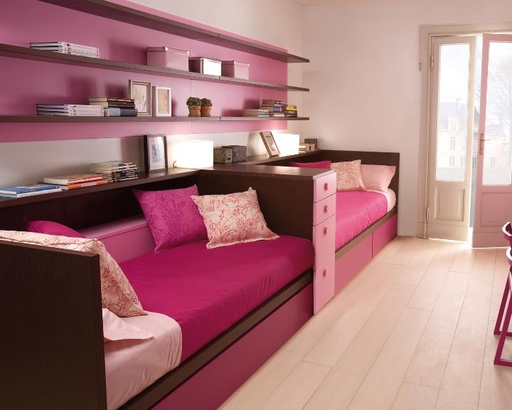 Розовая детская комната для двоих