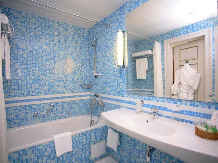 Мозаичная ванная комната