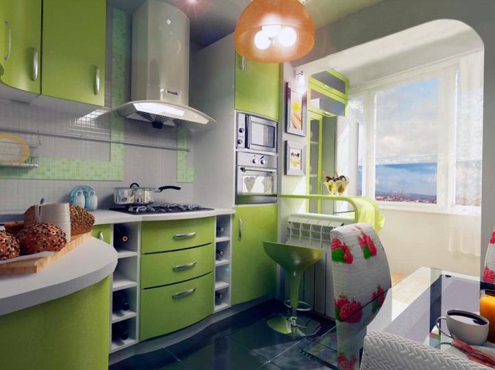 Зеленая кухня с балконом