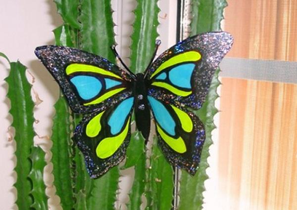 Бабочки с пластиковых бутылок 104