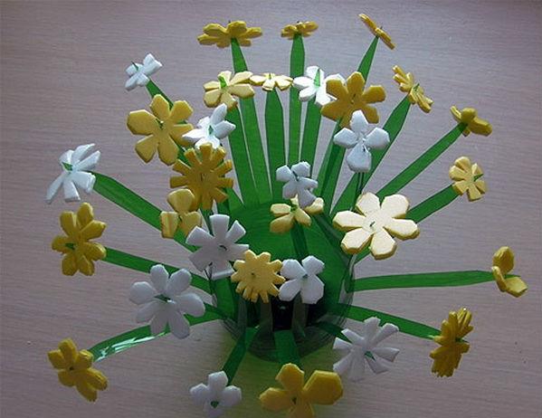 vaza-iz-plastikovix-butilok_11