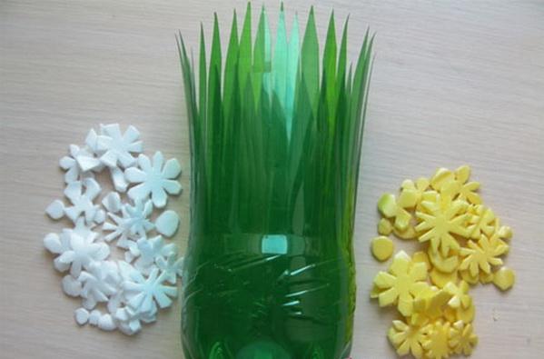 vaza-iz-plastikovix-butilok_12