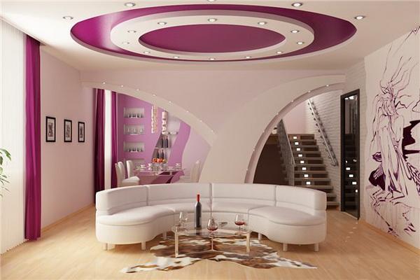 оформление потолка гостиной