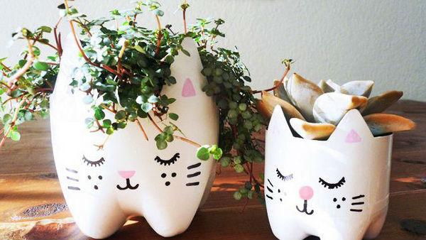 Кошки из пластиковых бутылок своими руками мастер класс