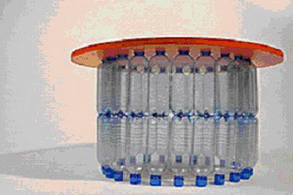 mebel-iz-plastikovix-butilok_10