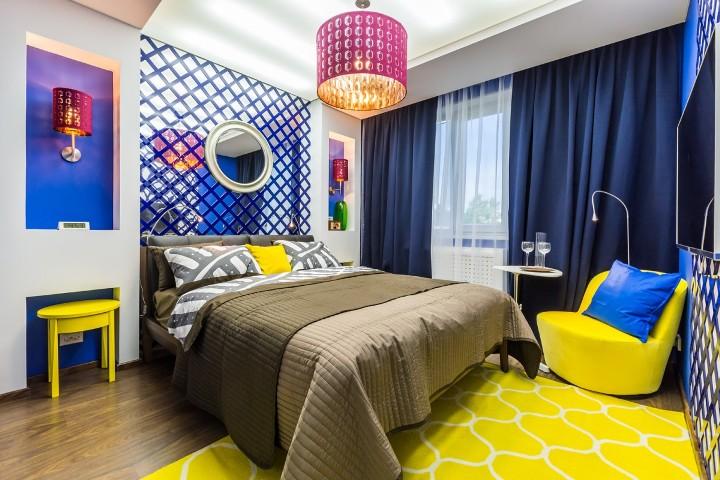 Сине-желтая спальня