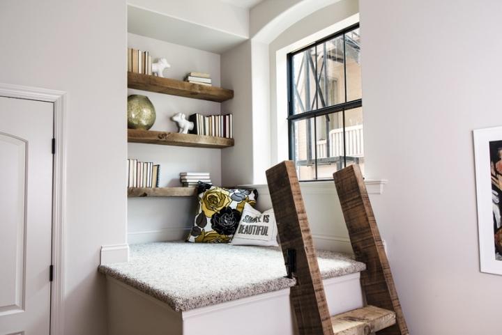 Место для чтения под потолком