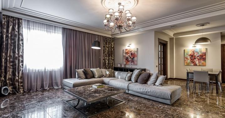 Просторная гостиная в итальянском стиле