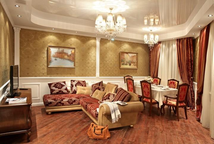 Красно-золотая гостиная