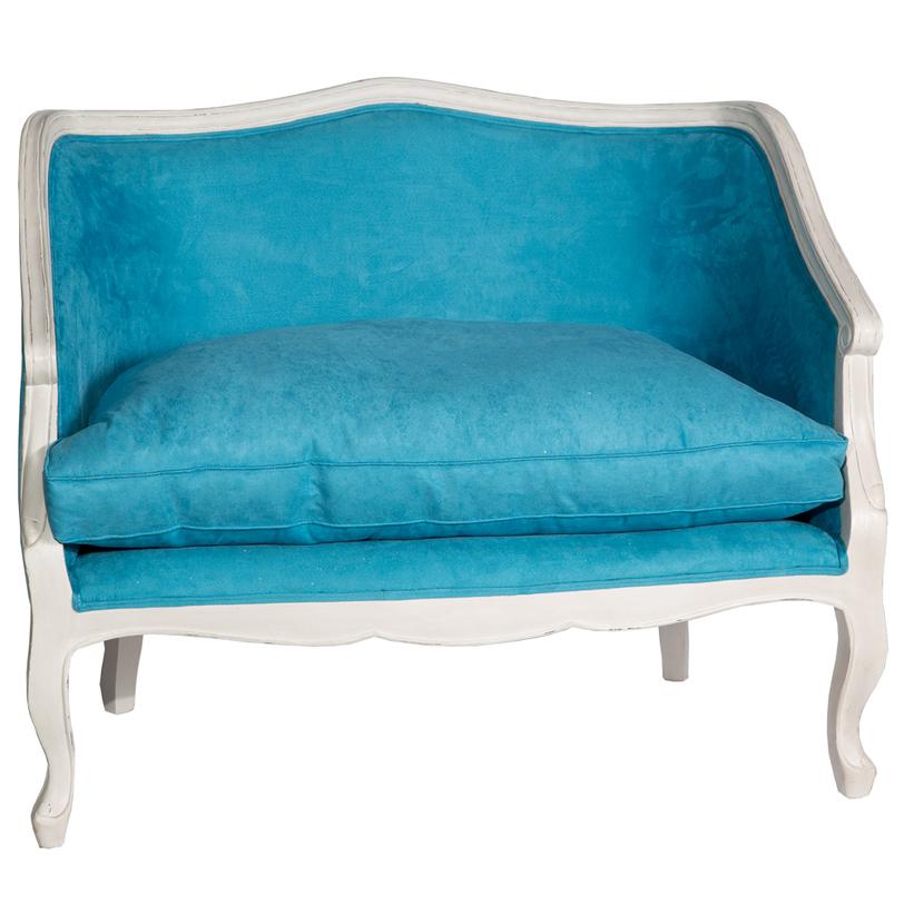 маленький голубой диванчик