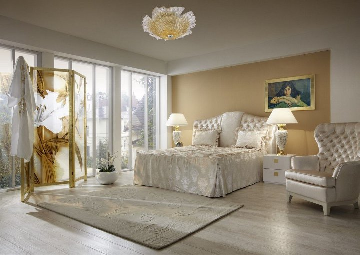 Спальня в нежно-бежевых тонах