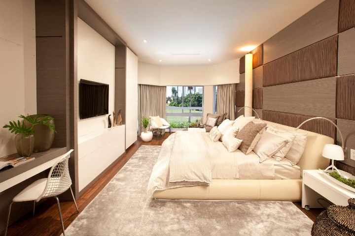 Шоколадно-бежевая спальня