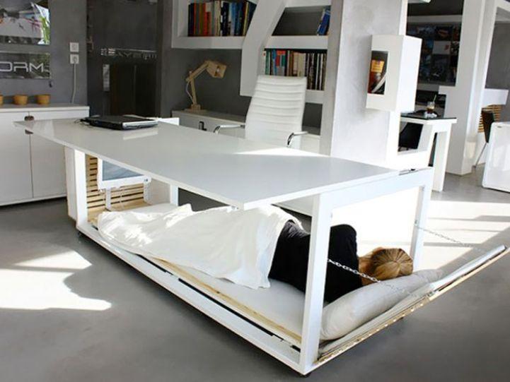 Кровать под столом