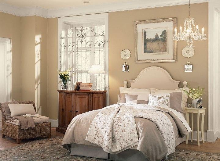 Интерьер спальни в бежевом цвете