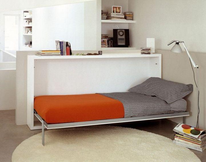 Складная кровать в перегородке