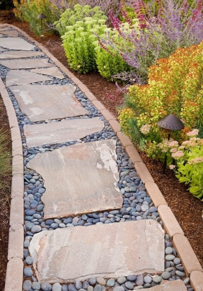 15idea-landscape-garden-edging_702x1005.