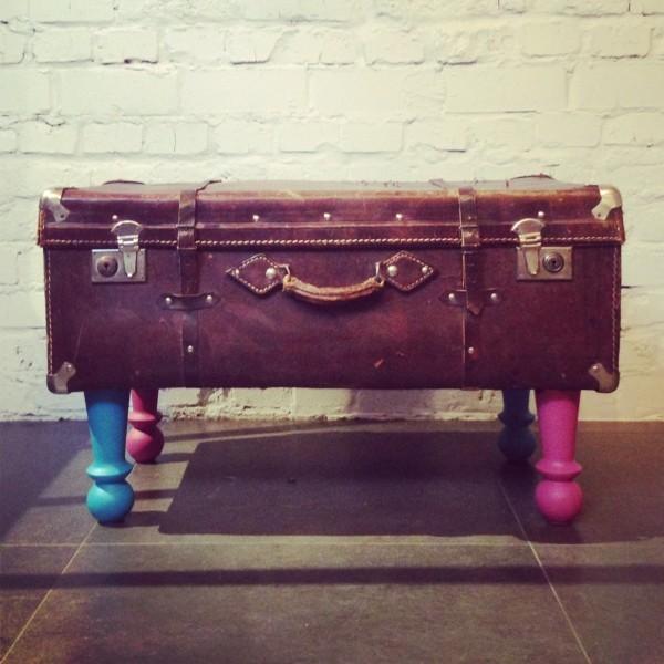Тумба, стол и даже трюмо: гениальные способы реставрации старого чемодана