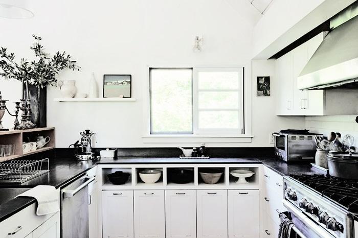 Дизайн маленькой кухни: удачные примеры идеального обустройства небольшого пространства