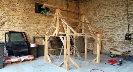 Маленький замок для пятилетней принцессы: папа построил игровой домик из деревянных палет
